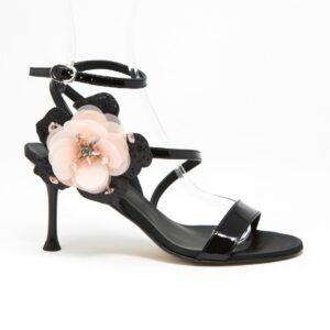 Sandalo con accessorio in fiore, glitter pietre e strass